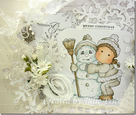 Snowy Hug Tag closeup